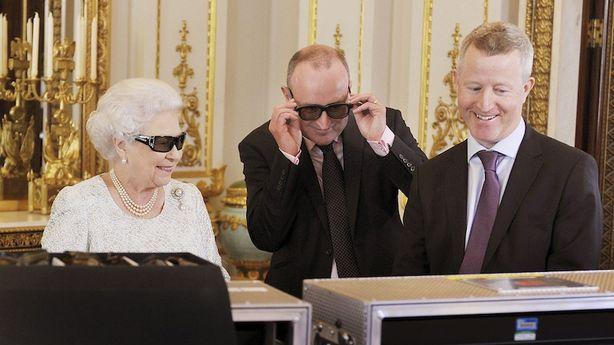 Queen Elizabeth Continues Her Year of Hipness with a Christmas Address in 3D
