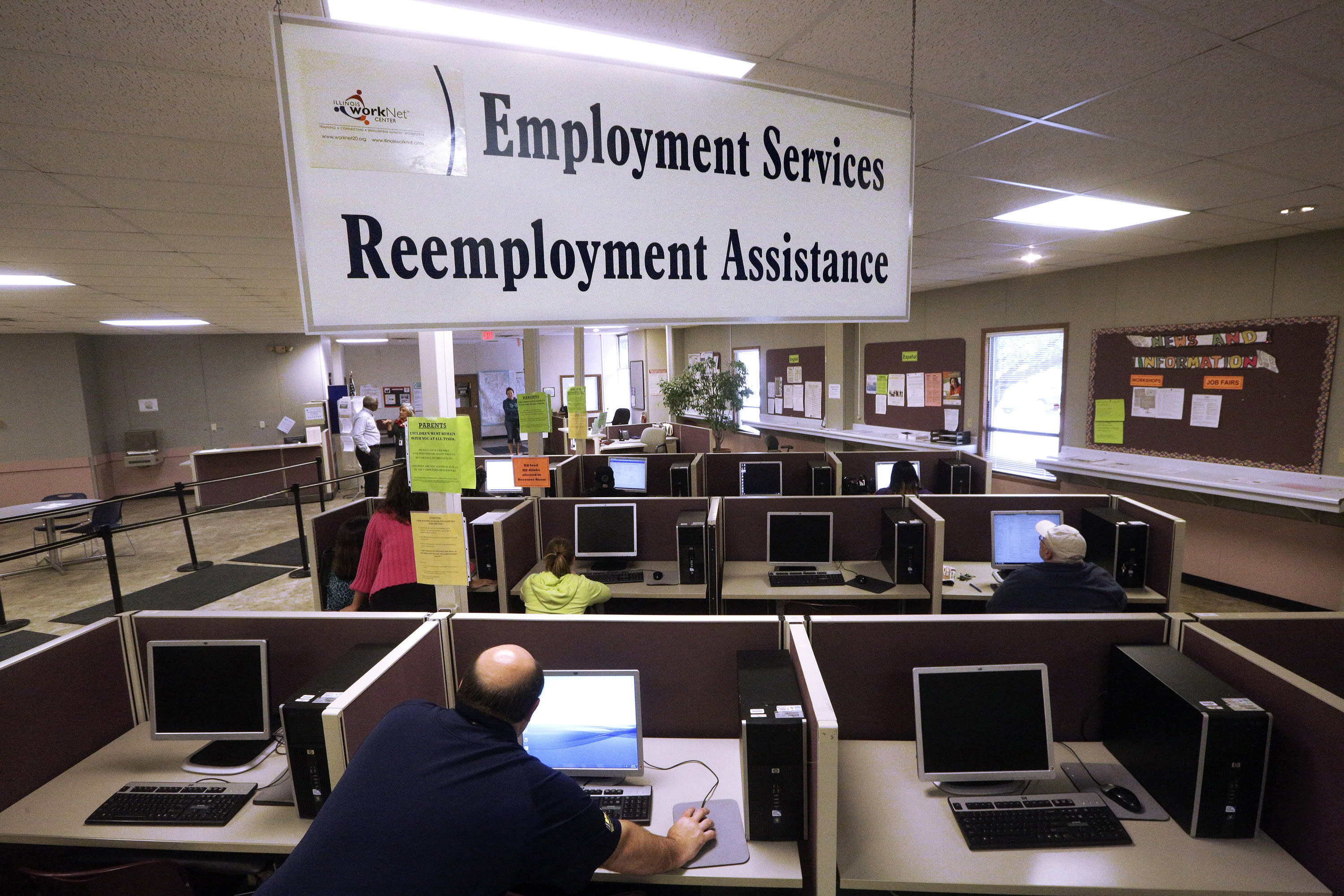 US claims for unemployment benefits rise by 13,000