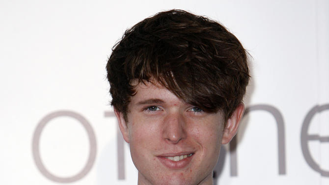 """FILE - This Sept. 6, 2011 file photo shows British musician James Blake at the Barclaycard Mercury Prize awards ceremony at the Grosvenor House Hotel in London. Blake's, """"Retrograde,"""" was the most viral track on Spotify from Monday, Feb. 11, to Sunday, Feb. 17, 2013. (AP Photo/Akira Suemori, file)"""