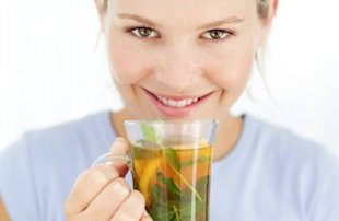 7 strange health tips that work: Balance hormones with spearmint tea