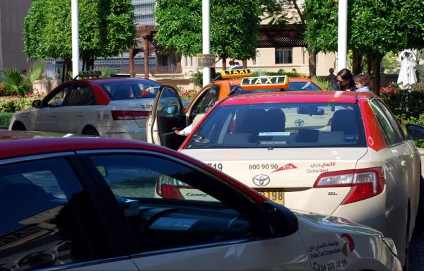 &lt;p&gt;Taxis queue up to pick up passengers in Dubai. (Photo: Donna.M.Bee.Photography)&lt;/p&gt;