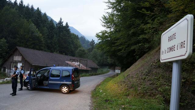 French Alps Shooting Leaves 4 Dead, 2 Little Girls Survive