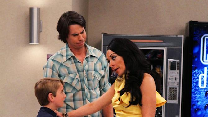 "This publicity photo provided by Nickelodeon shows, from left, Buddy Handleson as Wendell, Jerry Trainor as Vinnie, and Nicole Sullivan as Wilma, in the ""Pilot"" for the TV show, ""Wendell & Vinnie,"" to debut on Nickelodeon on Saturday, Feb. 16, 2013. Trainor, who starred in ""iCarly,"" plays Vinnie, a bachelor who becomes the legal guardian of his nephew Wendell, played by Handleson.  (AP Photo/Nickelodeon, Robert Voets)"