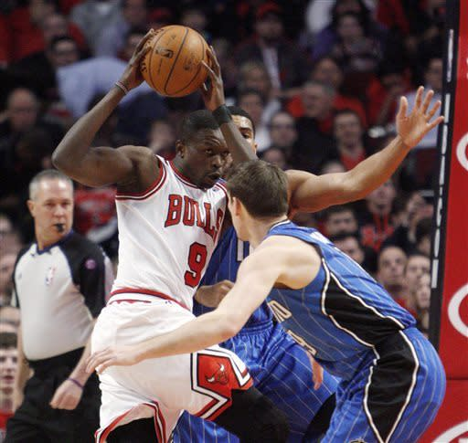 Robinson, Deng lead Bulls over Magic, 87-86