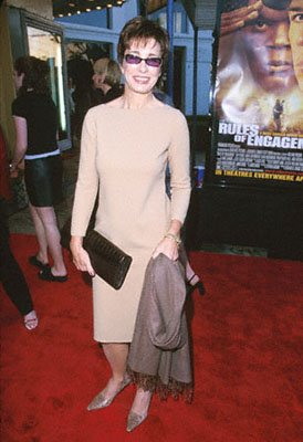 Anne Archer at the Mann Village Theare premiere of Paramount's Rules Of Engagement in Westwood, CA