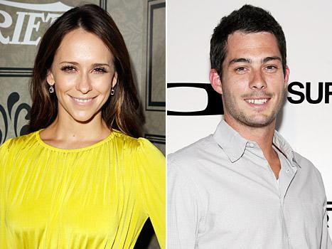 Jennifer Love Hewitt Pregnant, Expecting a Baby With Brian Hallisay!