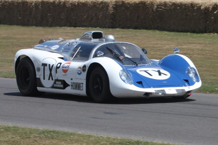 That Time a Car with a Helicopter Engine Raced Le Mans: The Howmet TX