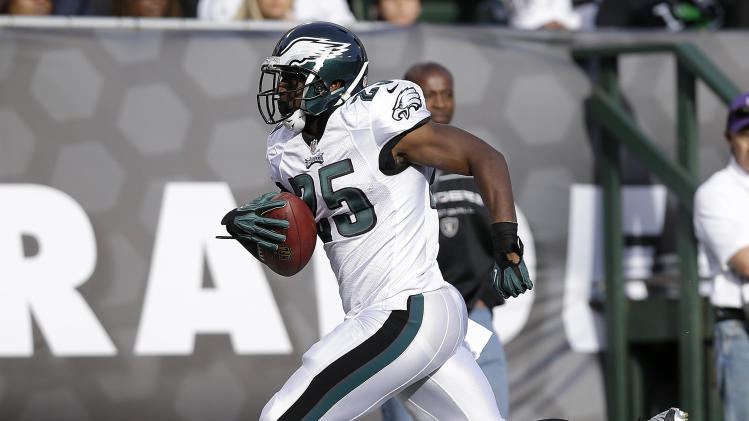 McCoy's numbers slipping, but Eagles winning