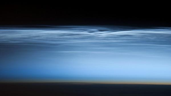 Astronaut Snaps Beautiful Photo of 'Night-Shining Clouds'