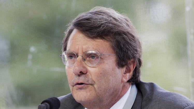 Top editor at the French daily Le Monde dies