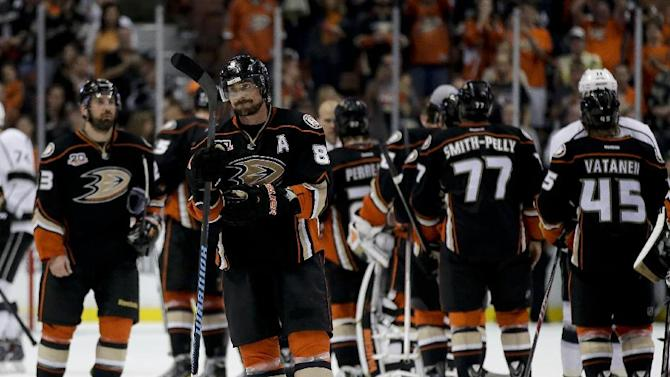 Selanne says farewell to Anaheim after Ducks' loss