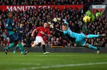 Sir Alex Ferguson calls on Cleverley to score more goals after Manchester United's victory over Sunderland