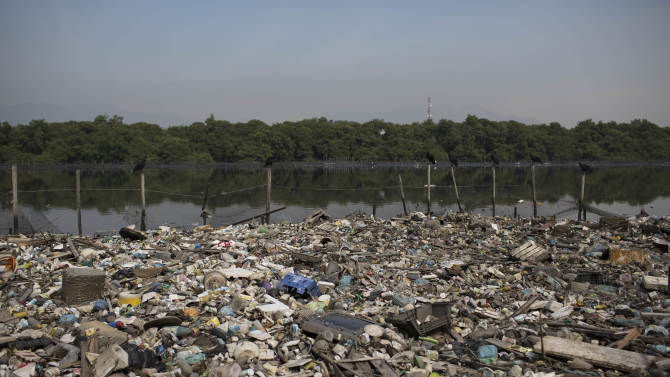 Sailing official wants Rio water pollution tests