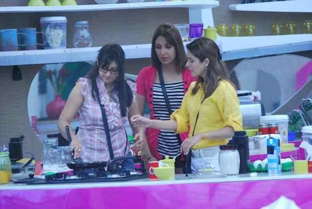 Bigg Boss diary: Mahek flexes …