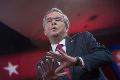 Marco Rubio's hoping Jeb Bush implodes over immigration