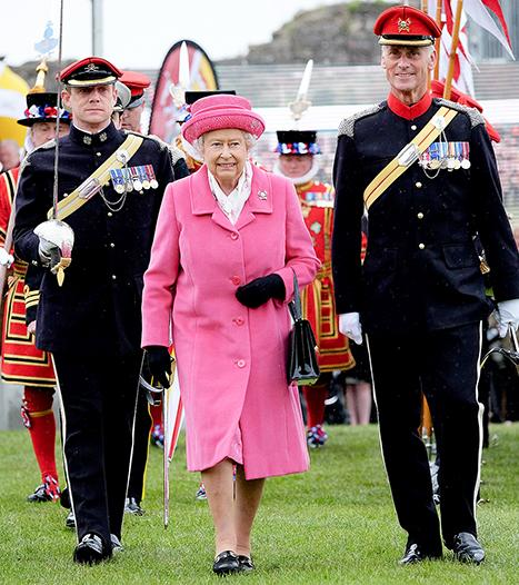 Queen Elizabeth II Is All Smiles in Hot Pink After Princess' Birth: Picture