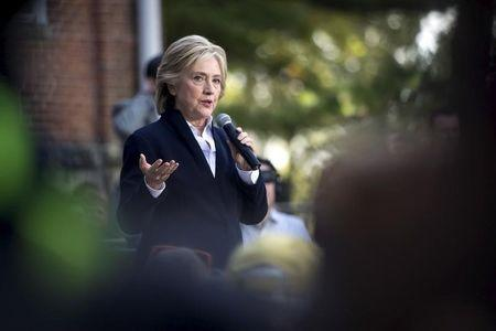 Clinton courts left with promise to break up risky banks