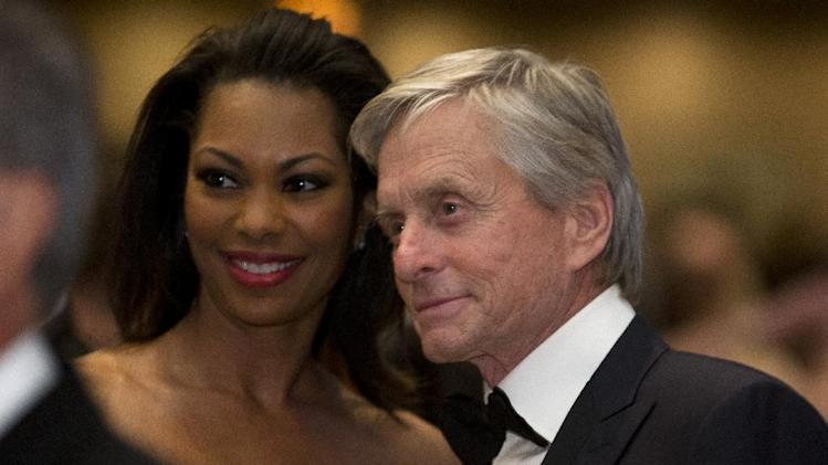 Michael Douglas poses for a photo during the White House Correspondents' Association Dinner at the Washington Hilton Hotel, Saturday, April 27, 2013, in Washington.  (AP Photo/Carolyn Kaster)