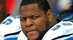 Lions DT Suh fined $30,000 for kick