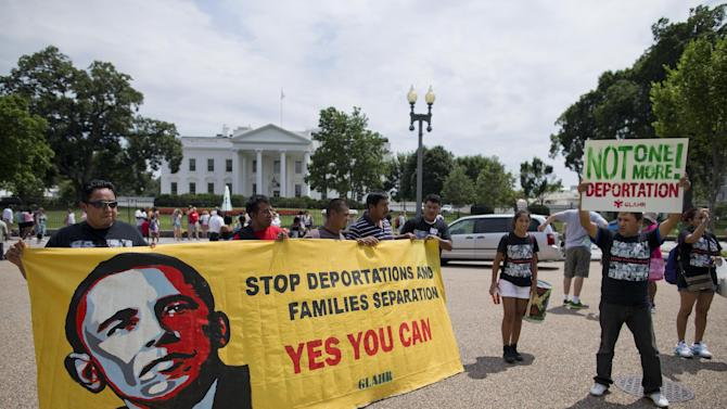 demonstrators rallying for immigration reform in front of the White House