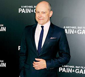 "Rob Corddry Wants His Daughters to Be ""Quiet Lesbians"""