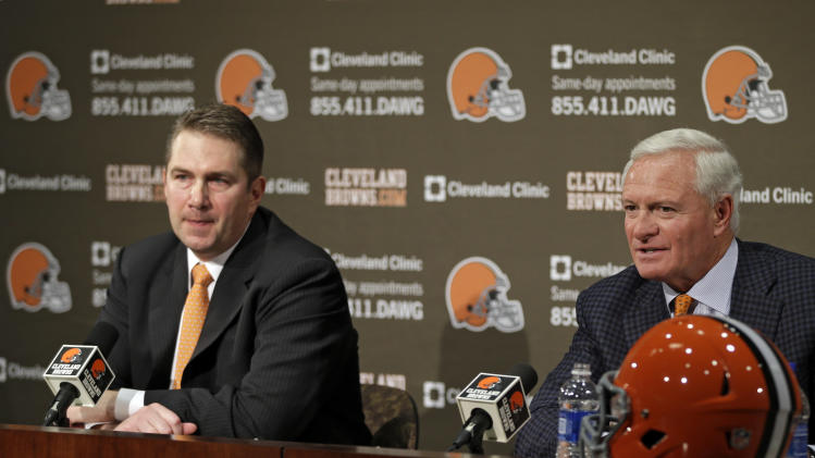 AP source: Browns to sell stadium naming rights