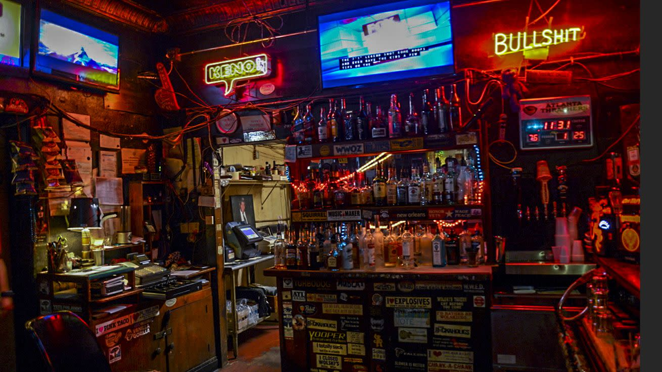 Atlanta Dive Bars For All Your Valentine's Day Needs