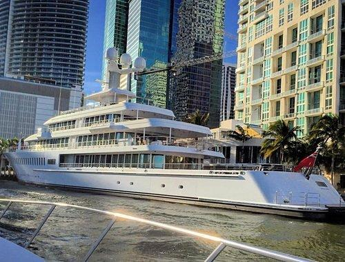 Mark Cuban's 288-Foot 'Fountainhead' Docks by Epic Hotel