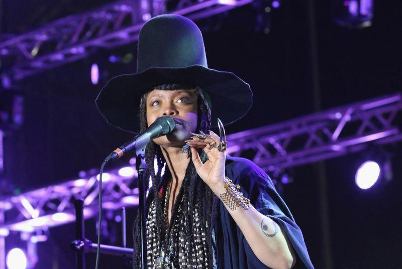Is Erykah Badu secretly a huge smartphone nerd?