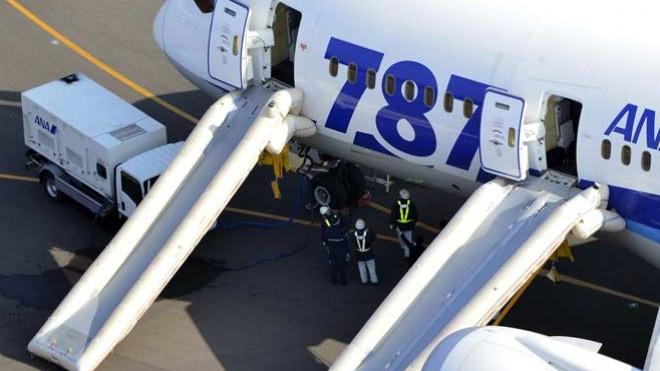 A 787 Dreamliner at the Takamatsu airport in Japan after making an emergency landing on Jan. 16.
