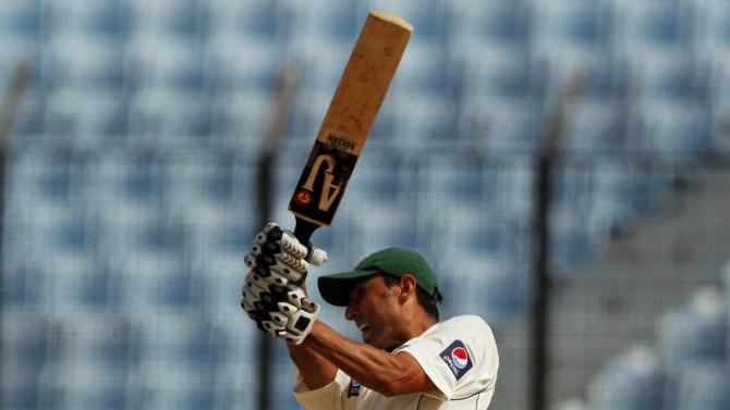 Pakistan's Younis Khan bats during third day of the first test against Bangladesh in Chittagong, Bangladesh, Sunday, Dec. 11, 2011. (AP Photo/Pavel Rahman)