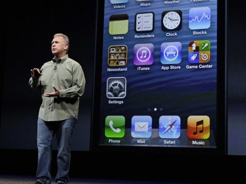 phil schiller at iphone 5 event
