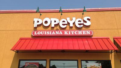 Popeyes Employees Stage a Walkout of 94-Degree Restaurant
