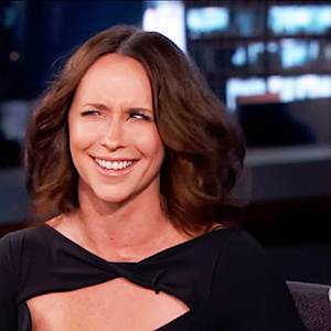 Why Jennifer Love Hewitt Avoided People Most of Her Pregnancy