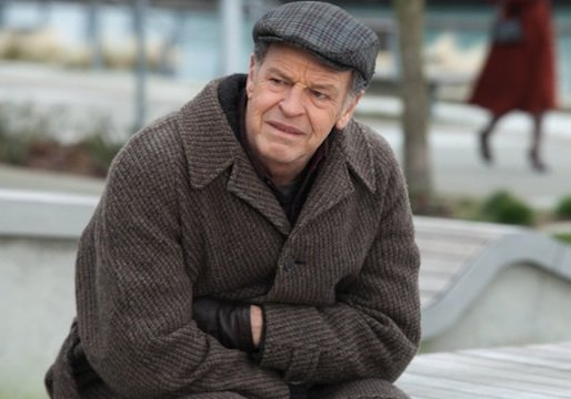 Exclusive: Fringe Stars Talk Finale (&#39;We Shot Two Endings&#39;), Drop Clue About Season 5 Storyline