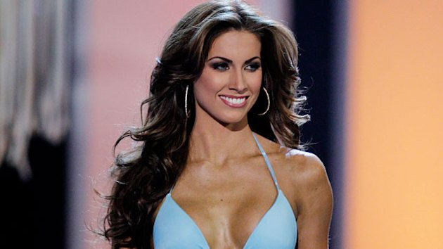Katherine Webb Takes Web by Storm (ABC News)