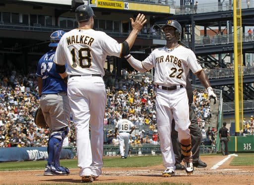 Pirates win 4th straight, 3-2 over Royals