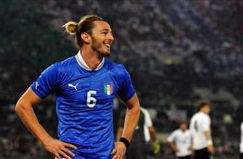 AC Milan make late attempt to sign Balzaretti