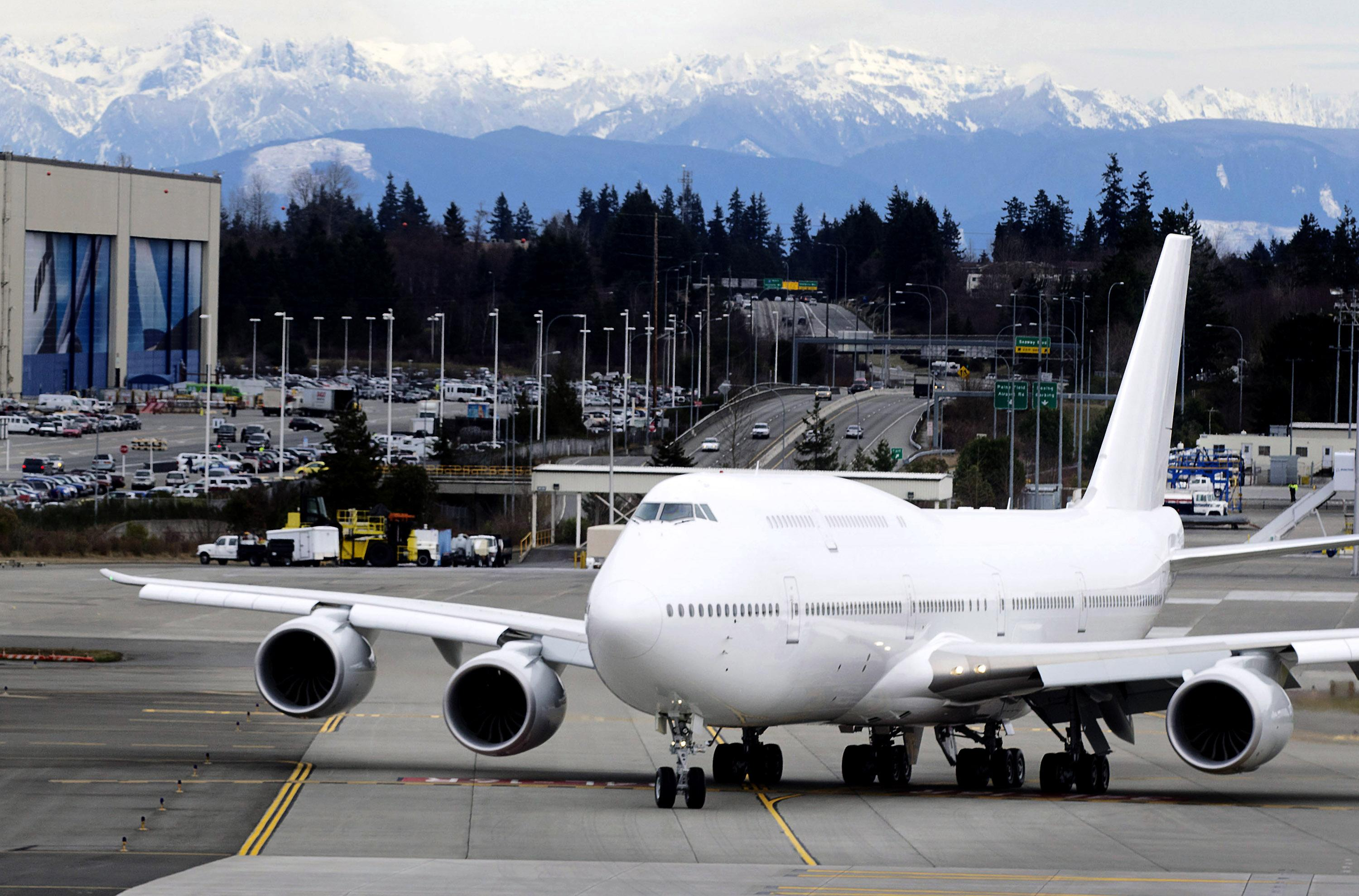 Boeing 747-8 picked for next Air Force One