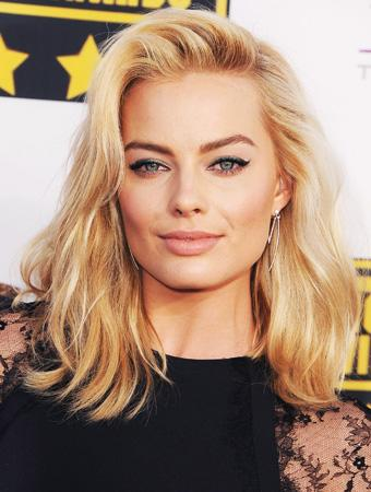 Warner Bros Closes Deal For Margot Robbie Sports Wagering Tale 'Dangerous Odds' – Update