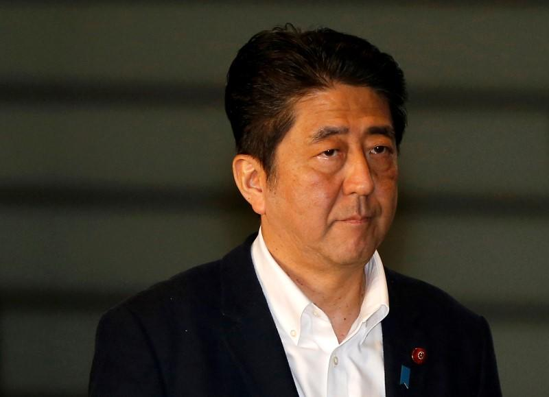 Japan PM Abe tells finmin to take needed FX steps post-Brexit vote