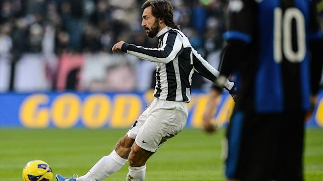 Juventus&#39; midfielder Andrea Pirlo shoots to score against Atalanta (AFP)