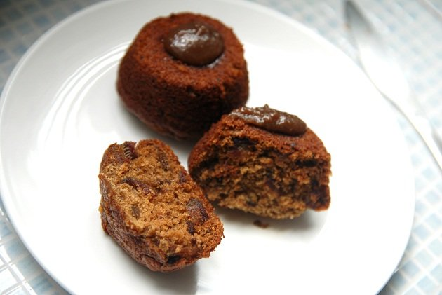 Black sugar and sticky date pudding