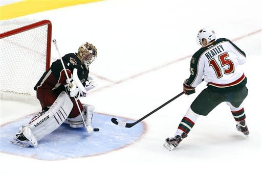 Wild edge Coyotes 3-2 in shootout