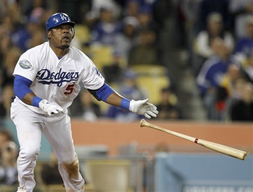 Uribe, Capuano lead Dodgers over Braves 7-2