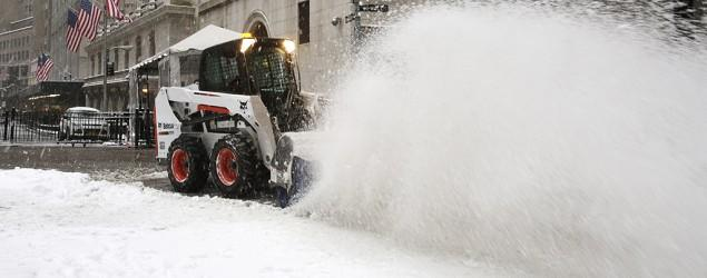Blizzard misses NYC, wallops parts of Northeast