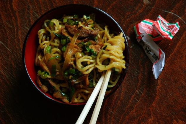 Shredded Pork & Chinese Celery Lo Mein