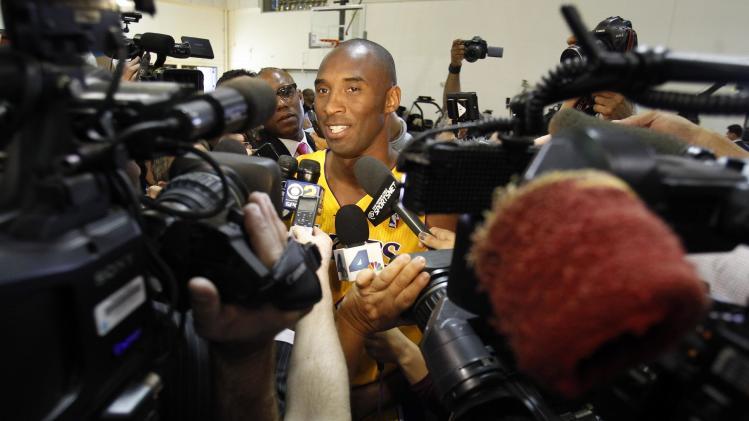 Kobe Bryant goes overseas for medical procedure