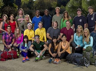 Amazing Race Cast Includes Twin Doctors, John Wayne's Kin, an NHL Vet and Cancer Survivors