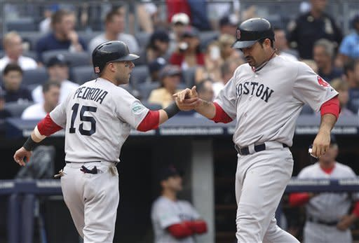 Ciriaco triple in 9th leads Red Sox over Yanks 8-6